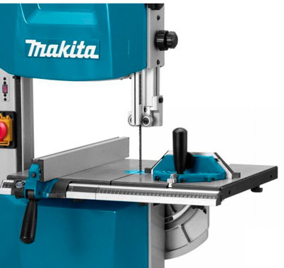 Ленточная пила Makita LB1200F: идеальный вариант за небольшие деньги